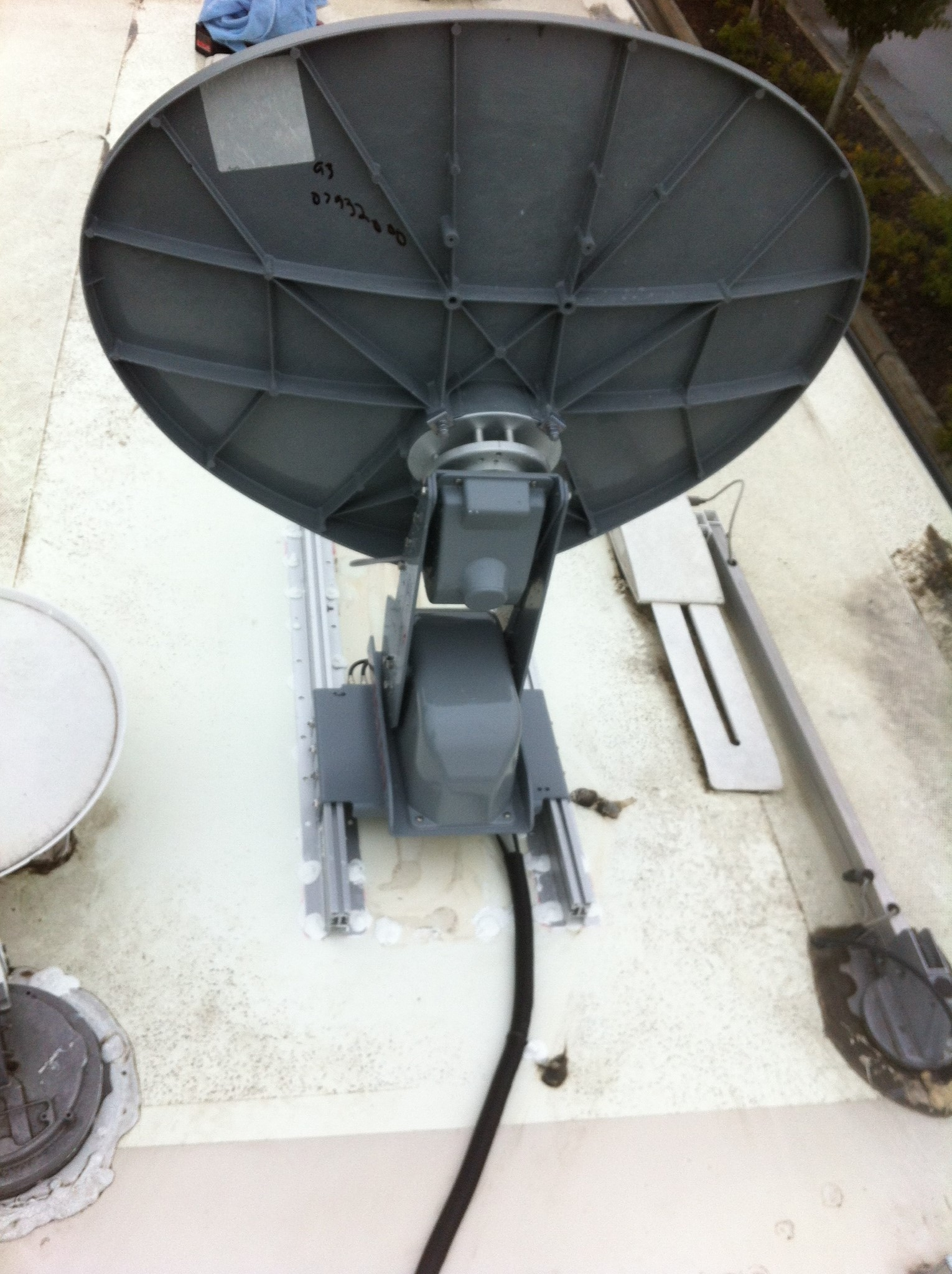 what is the best rv satellite system